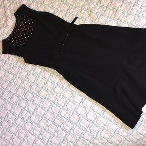 Black size 6 White House black market dress